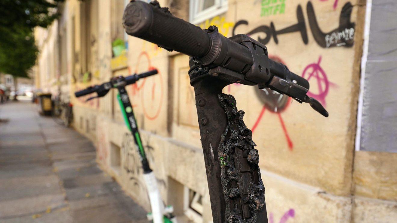 E-Scooter angezündet - Foto: Tino Plunert
