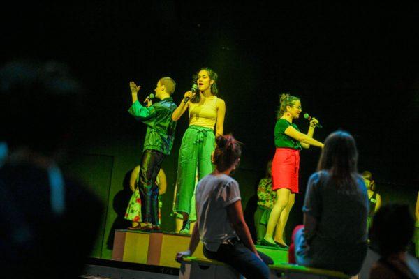 """""""Dichte Netze"""", die aktuelle Inszenierung der Bürgerbühne Dresden, ist für September bereits ausverkauft. Foto: Sebastian Hoppe"""