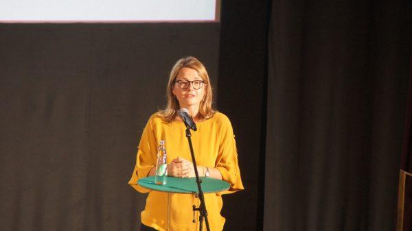 Annekatrin Klepsch bei der Eröffnung des Filmfests 2020. Foto: Philine