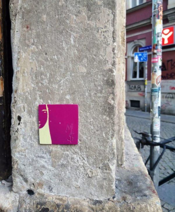 Fliese an der Böhmischen Straße