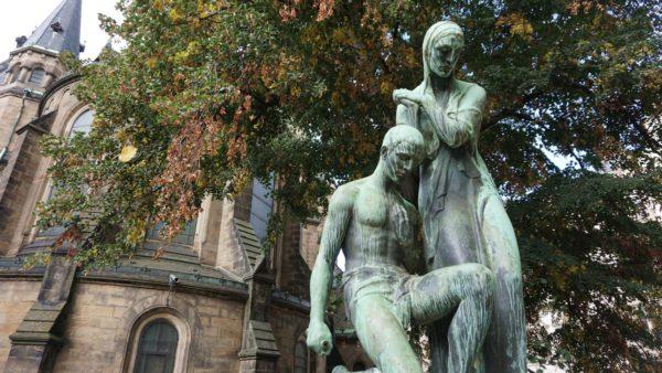 Dem Kriegerdenkmal zur Erinnerung an die Gefallenen des Ersten Weltkriegs fehlt schon lange das Schwert.