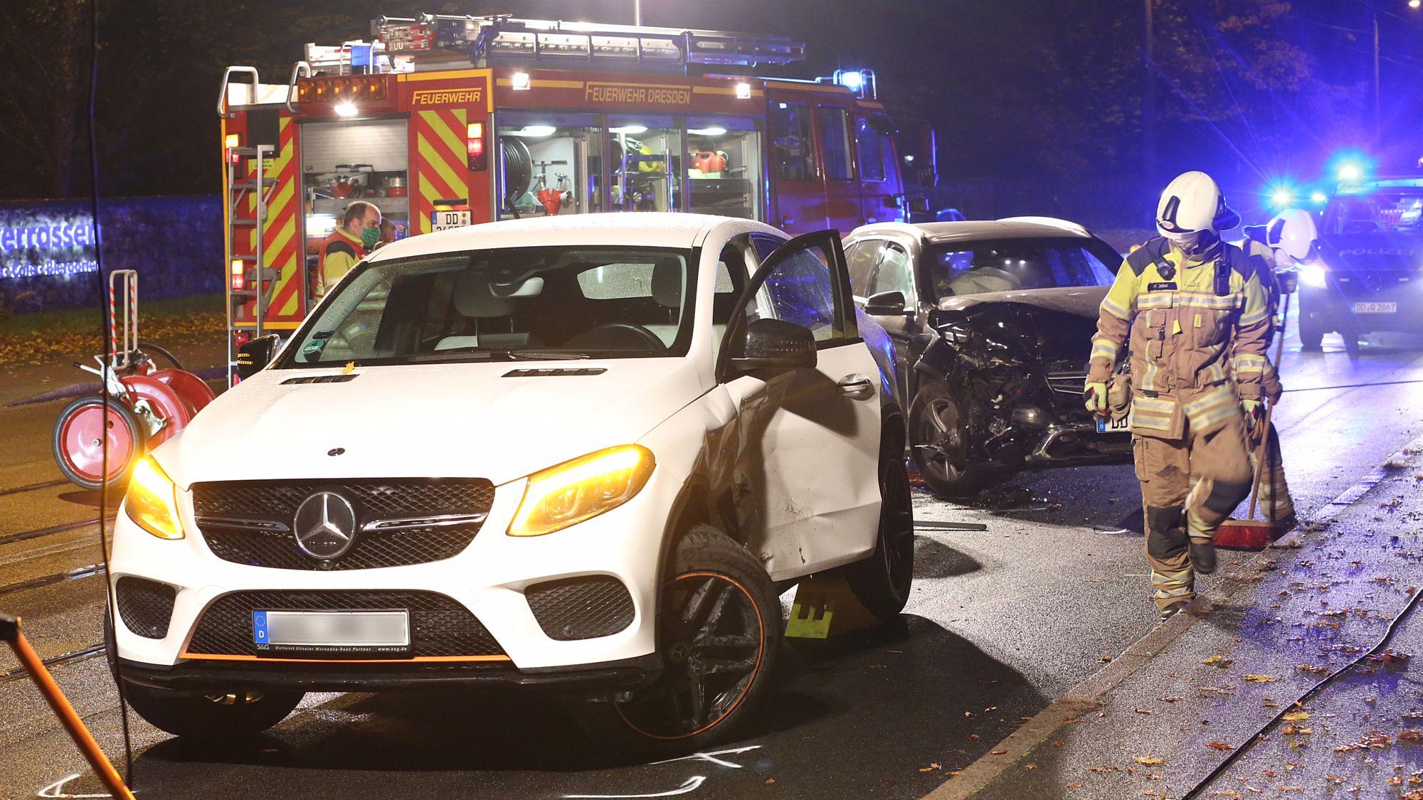Unfall an der Bautzner Straße - Foto: Roland Halkasch