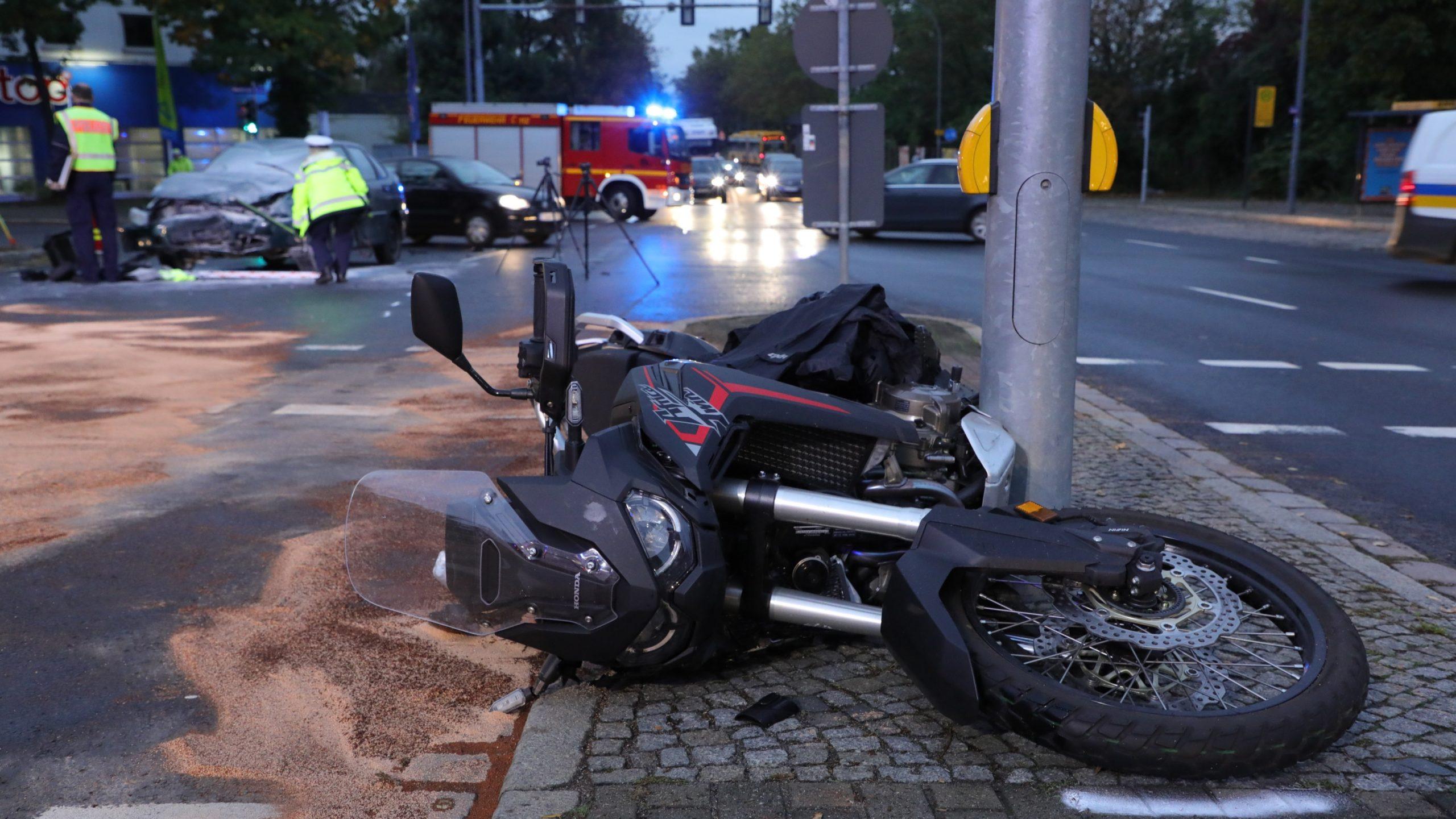 Schwerer Unfall an der Hansastraße. Foto : Roland Halkasch.