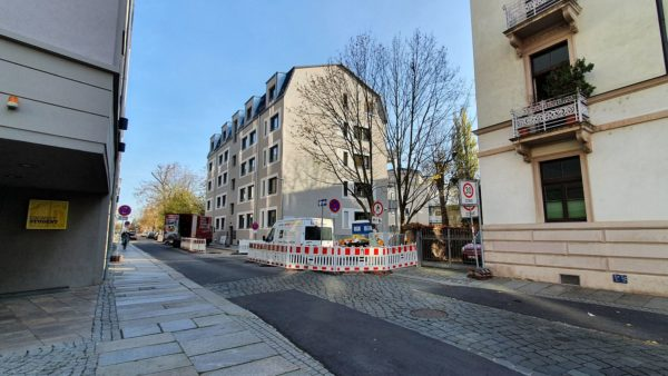 An der Stelle des Gymnasiums steht jetzt ein Mehrfamilienhaus in der Holzhofgasse.
