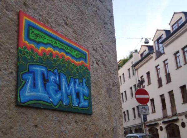 Im Hintergrund die Kamenzer Straße
