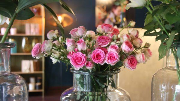 Schöne Blumen gibt es reichlich.
