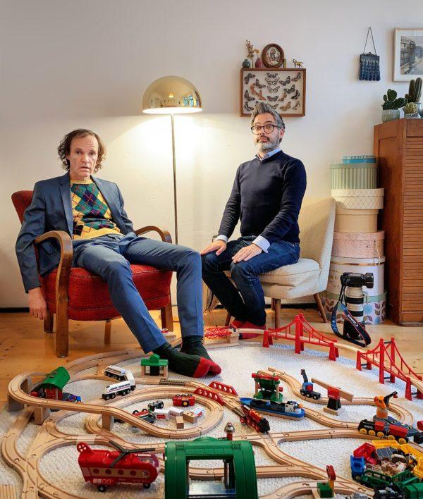 Olaf Schubert (links) und sein Fotograf Amac Garbe - Inszenierung und Einstellung des Selbstauslösers: Amac Garbe