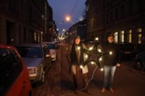 Torsten und Jan unterstützen mit ihrem Verein die Organisation der Beleuchtung.