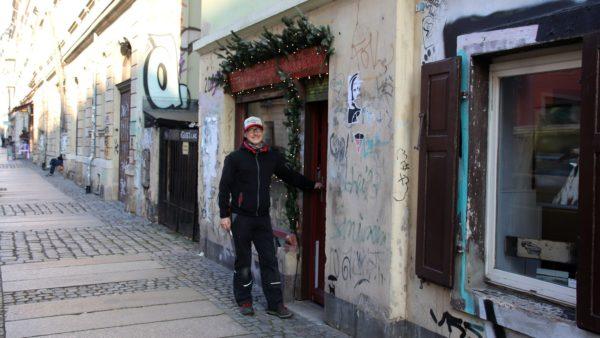 Michael Röhnisch vor seinem neuen Laden.