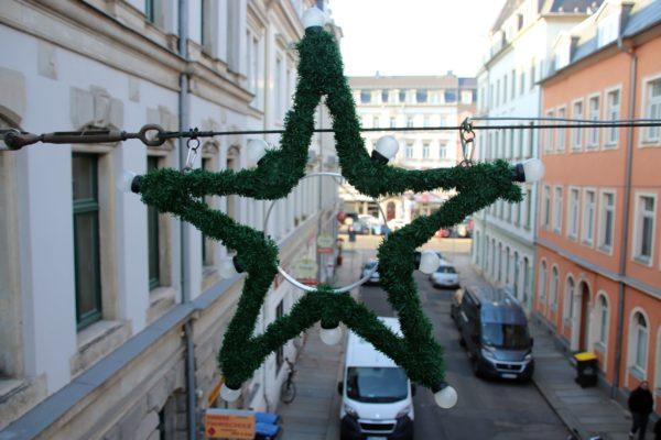 Winterlicher Weihnachtsstern auf der Jordanstraße