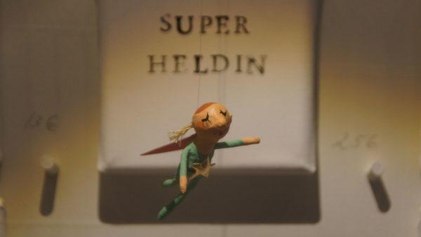 Superheldin von Saskia Bach. Foto: Philine