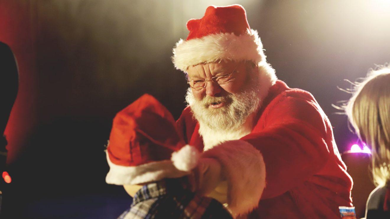 In diesem Jahr wird der Weihnachtsmann etwas mehr Abstand halten. Foto: Karkuth Photography 2019