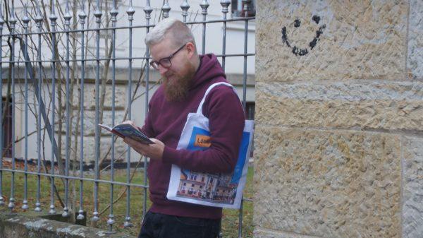 Selbsternannter (Löbau)Botschafter und Bürgermeister-Anwärter in spe Dirk aus Löbau. Er kommt aus Löbau. Foto: Philine