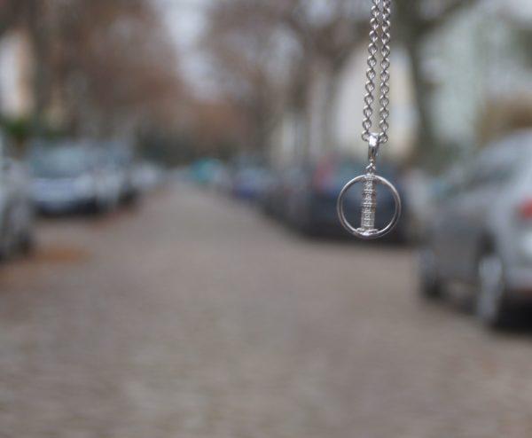Auf der Löbauer Straße würde sich ein massiver Metallturm auch gut machen. Foto: Philine