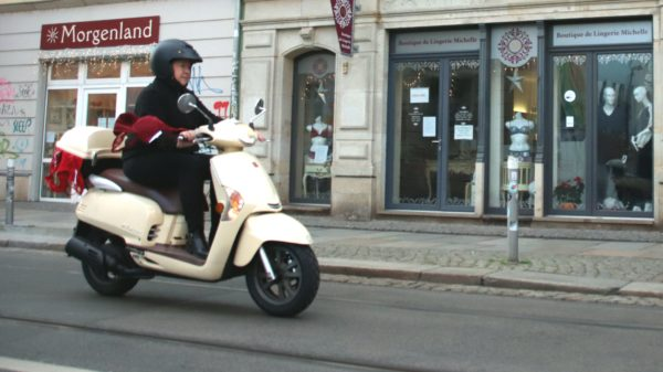 Von der Boutique de Lingerie Michelle auf der Görlitzer Straße liefert sie in die ganze Stadt.