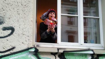 Melina beim Probesingen in der Förstereistraße