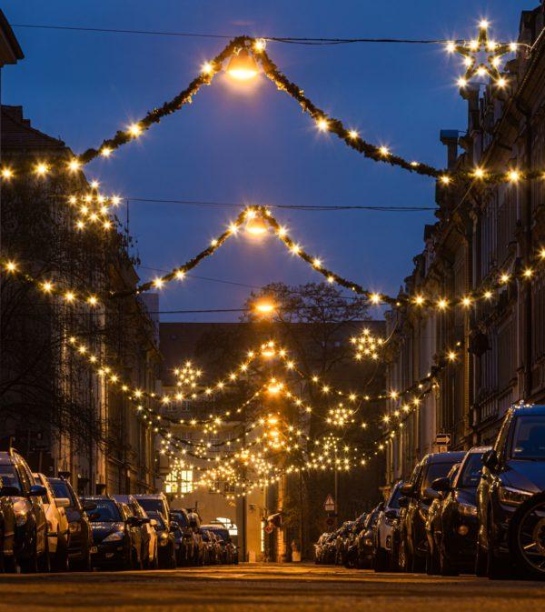 Weihnachtsbeleuchtung auf der Förstereistraße - Foto: Ronny Rozum