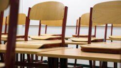 Schulen bleiben mit Ausnahmen bis zu den Winterferien geschlossen.
