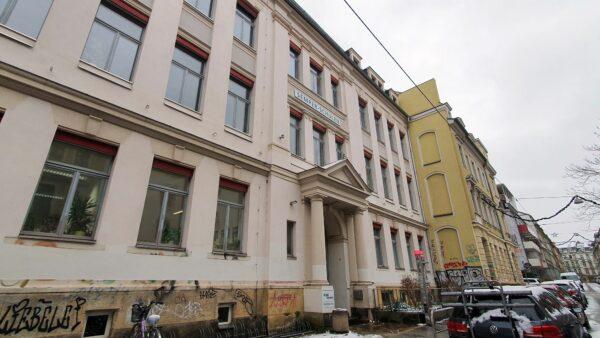 Die Semper-Oberschule auf der Jordanstraße