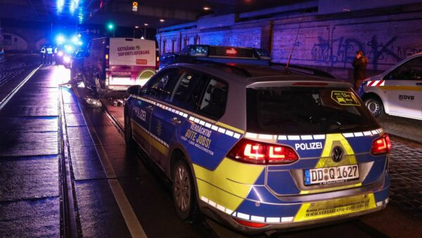 Die Polizei hat die Ermittlungen zur Unfallursache aufgenommen. Foto: Tino Plunert