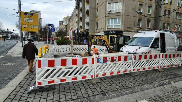 Die Ein- und Ausfahrt der Alaunstraße ist noch bis Freitag gesperrt.