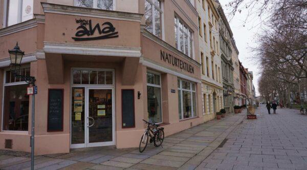 Der momentan geschlossene Laden auf der Hauptstraße.