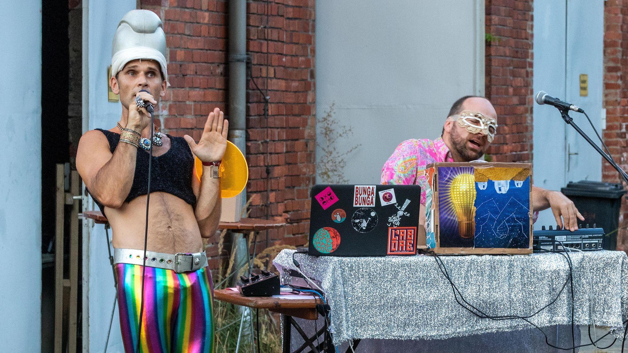 Oxo Oho - deutsches Elektropop-/Indietronic-Duo - Foto: Axel Lange