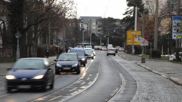 Der Verkehr auf der Königsbrücker hat in den vergangenen Jahren immer weiter abgenommen. Zuletzt wurden im September 2020 rund 11.300 Autos pro Tag gezählt.