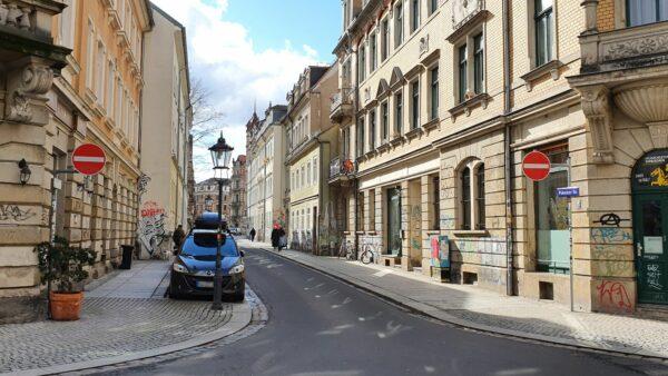 Pulsnitzer Straße: Einfahrt nun auch für Radfahrer verboten.