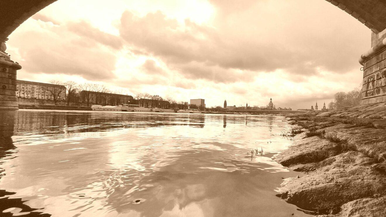 Die Elbe hundert Jahre später.