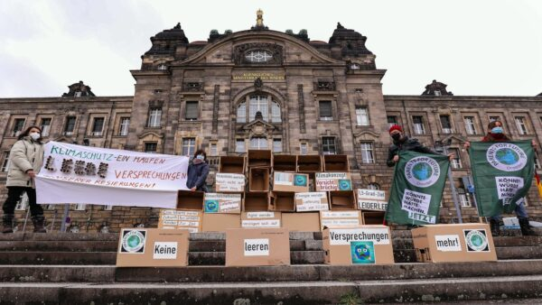 Globaler Klimastreik auch in Dresden - Foto: Tino Plunert
