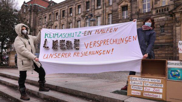 """Keine leeren Versprechen mehr - forder """"Parents for Future"""" - Foto: Tino Plunert"""