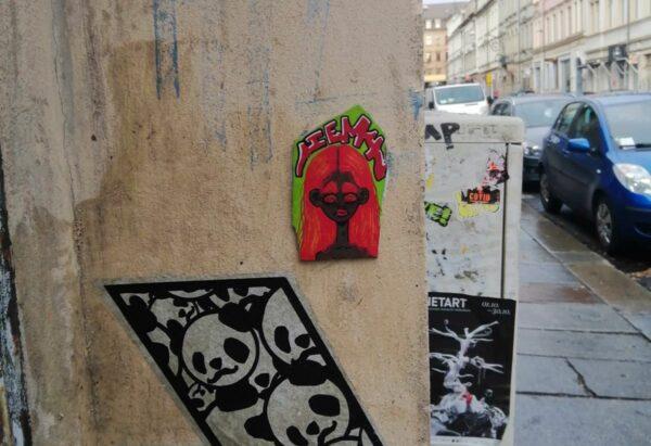 Jemy-Fliese über Panda-Kunst