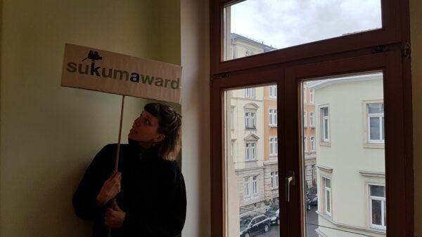 Lea hält die Stellung im Büro - Foto: Jonas Breitner