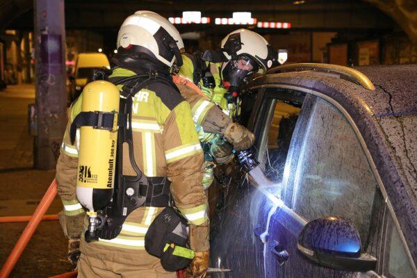 Die Feuerwehr konnte den Brand zügig löschen. Foto: Roland Halkasch