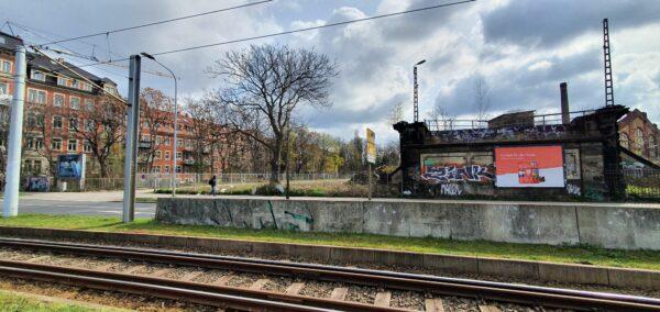 Reste der alten Bahnbrücke