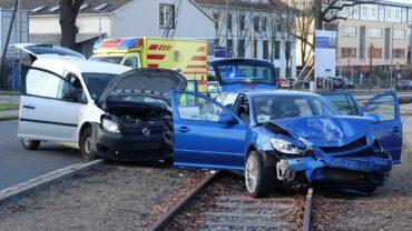 Unfall im Industriegelände. Foto: Roland Halkasch