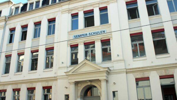 das Schulgebäude an der Jordanstraße