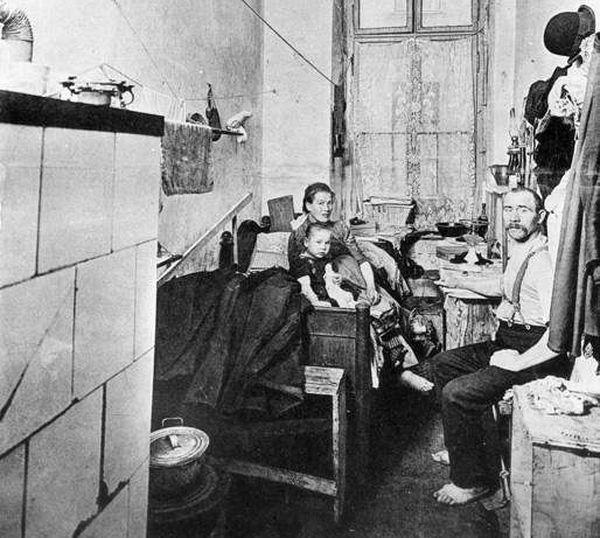 Küche einer Arbeiterfamilie vor rund 100 Jahren.