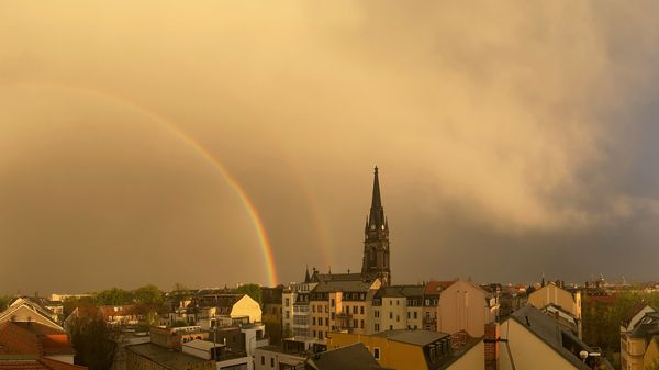 Regenbogen vorm Sonnenuntergang - Foto: Raik Kunath