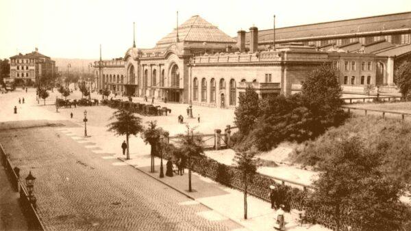 Der gerade frisch umgebaute Bahnhof Neustadt Anfang des 20. Jahrhunderts
