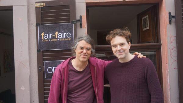 Martin und Julien, ganz ungezwungen im Einsatz für die Kultur.