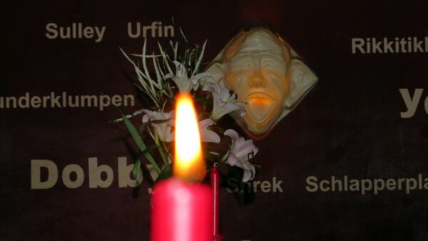 Selbst in einer so verruchten Kneipe, wie dem Little Creatures stehen Kerzen auf den Tischen - die sächsische Romantik heißt Gemütlichkeit