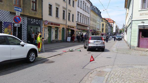 Unfall mit E-Roller auf der Alaunstraße - Foto: Pinselbube