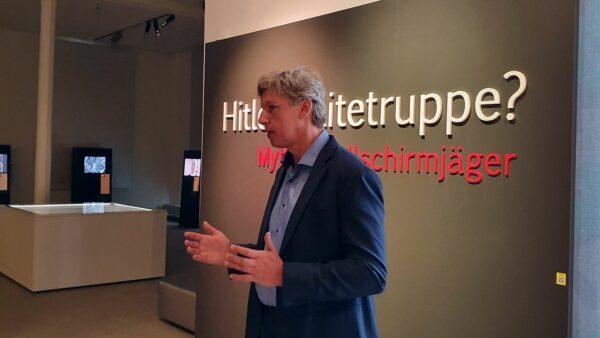 Magnus Pahl, Kurator der Ausstellung