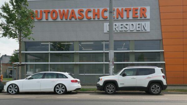 Beschmierte Autos auf der Fritz-Reuter-Straße