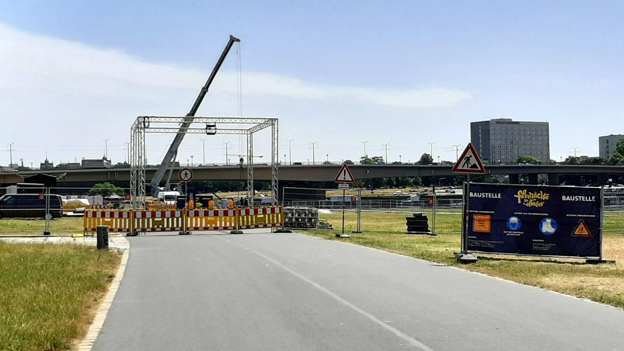 blockierter Elberadweg - Foto: ADFC
