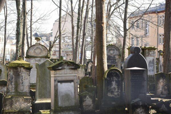 Der alte jüdische Friedhof an der Pulsnitzer Straße.