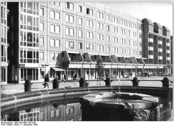 Als der Albertplatz noch Platz der Einheit hieß.