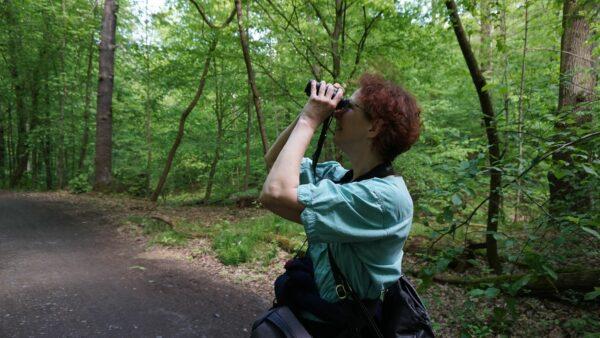 Vogelkundlerin Christina Loose bei der Arbeit - Foto: Jonas Breitner